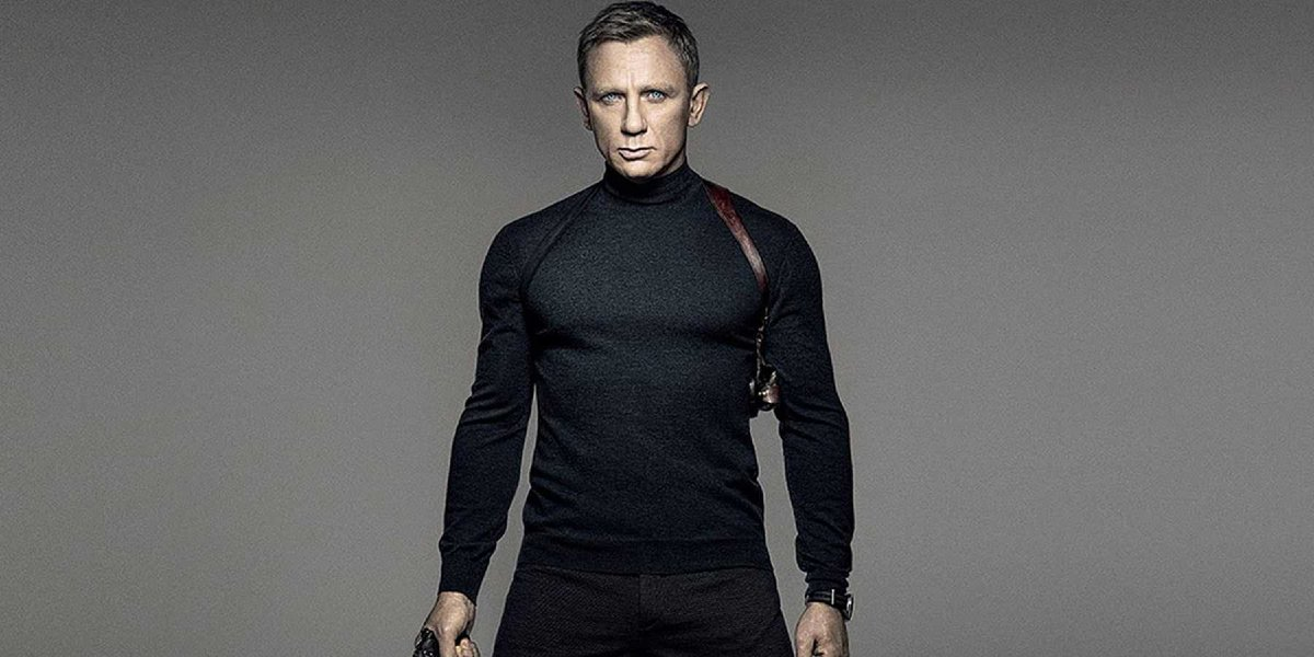 Spectre Daniel Craig wearing a turtleneck and a holster, gun drawn