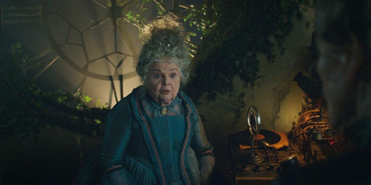 June Squibb in Godmothered