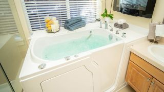 Independent Home walk-in tub review