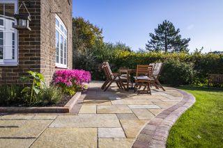a garden paving idea with a curved edge
