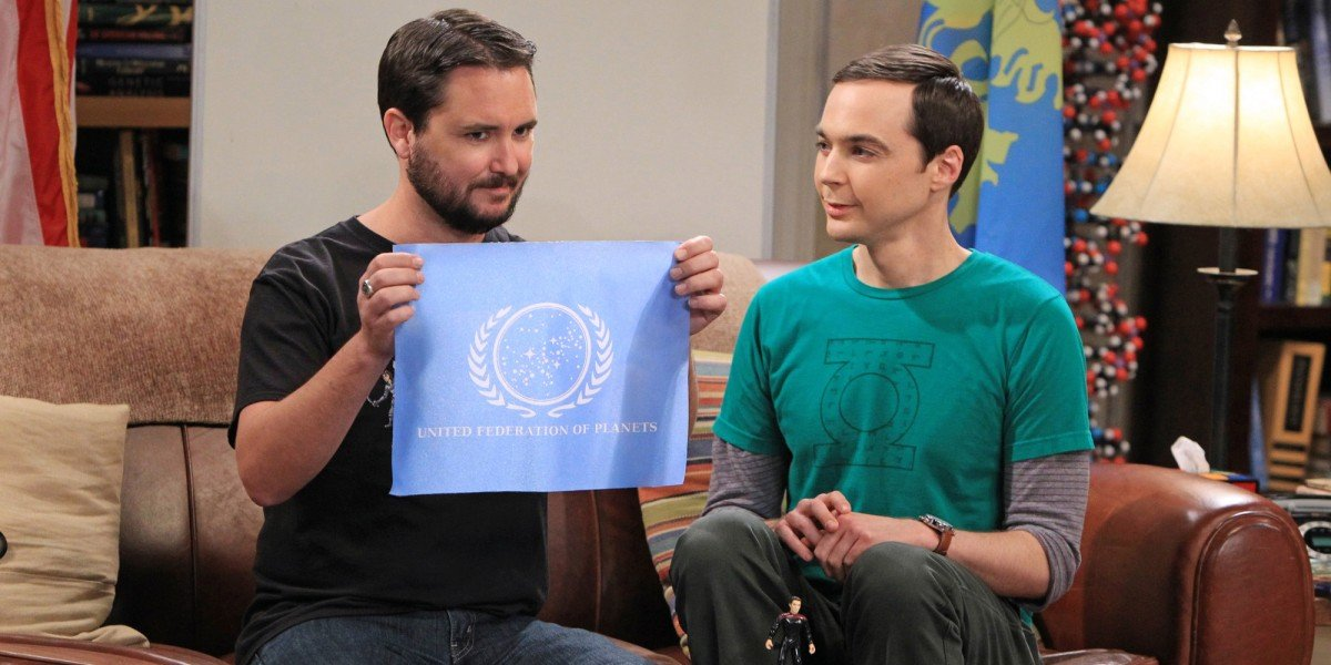 Wil Wheaton as himself and Jim Parsons as Sheldon Cooper on The Big Bang Theory (2012)