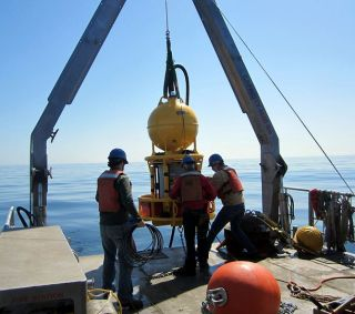 This device, an environmental sample processor, automatically collects a sample of water and then rapidly tests it for DNA and toxins. The device is being deployed in the Gulf of Maine to watch for the potentially harmful toxins released by algal blooms k