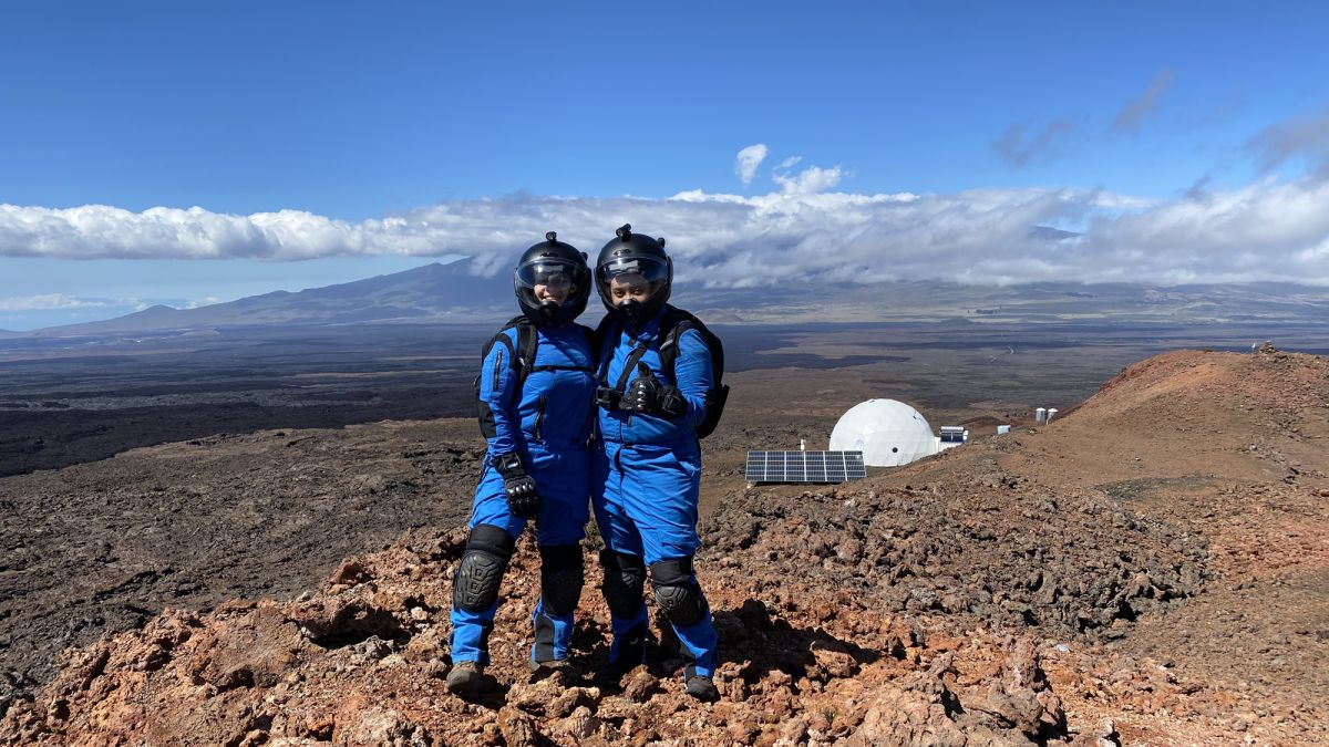 Sunshine and 'moonwalks' heal the Selene III crew's dying optimism — Commander's report: lunar day 11