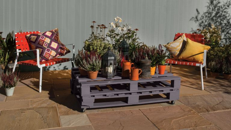 pallet furniture ideas: coffee table