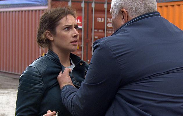 Emmerdale spoilers! Victoria Barton in danger with her dodgy PI Glen!