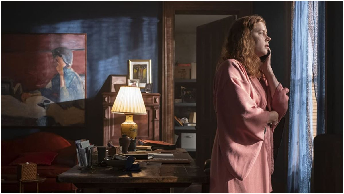 """The Woman in the Window review: """"Netflix movie is a modern, modest Hitchockian thriller"""""""