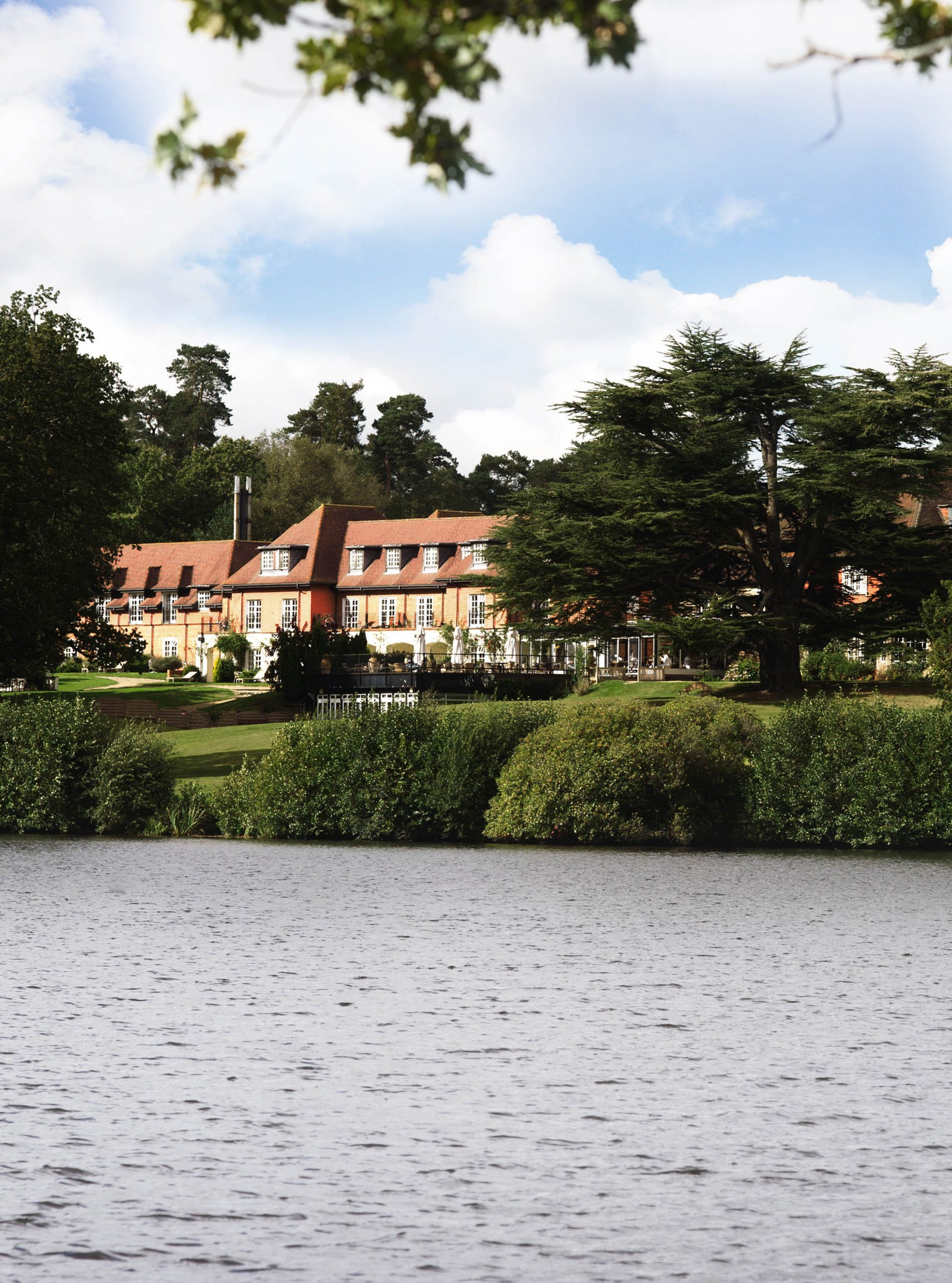 Champneys New Forest Mere Exterior