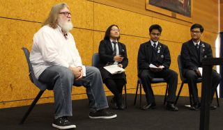 Gabe Newell being interrogated by New Zealand high school students