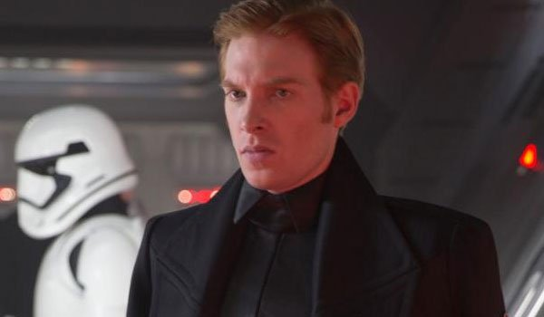 domhnall gleeson General Hux the force awakens