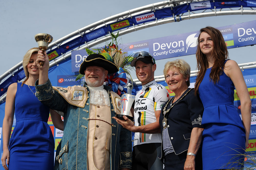 Mark Renshaw on podium after stage win, Tour of Britain 2011, stage five