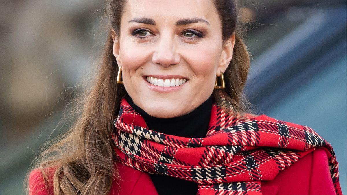Here's how to copy Duchess Catherine's Disney princess hair look