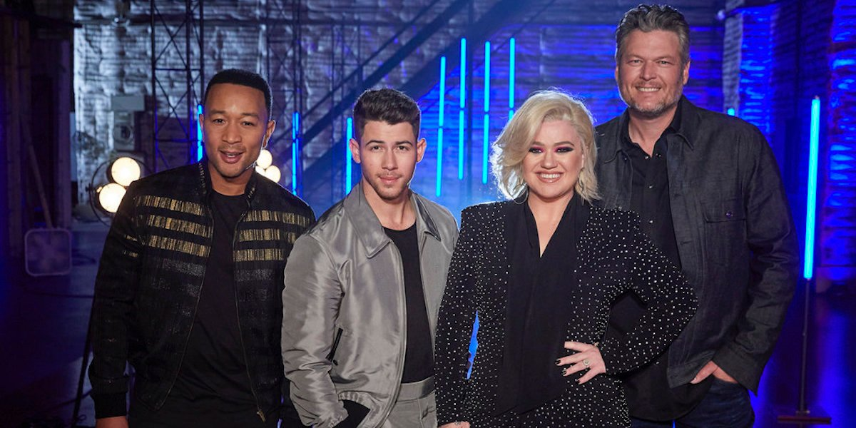 Kelly Clarkson Thinks The Voice's New Promo Photo Makes Her Look Like She Had A Boob Job