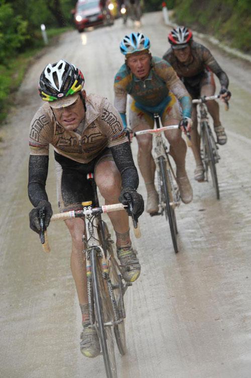 Cadel Evans and Alexandre Vinokourov escape, Giro d'Italia 2010, stage 7
