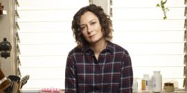 Roseanne Spinoff The Conners Cast A New Love Interest For Darlene