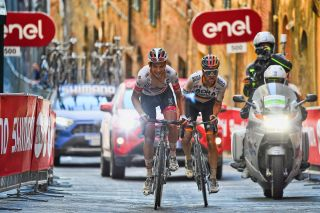 Strade Bianche 2020 - 14th Edition - Siena - Siena 184 km - 01/08/2020 - Davide Formolo (ITA - UAE - Team Emirates) - Maximilian Schachmann (GER - Bora - Hansgrohe) - photo Dario Belingheri/BettiniPhoto©2020