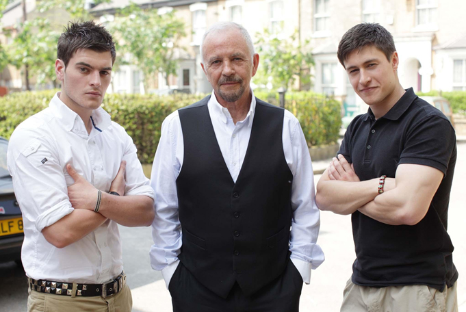 David Essex makes first visit to Walford