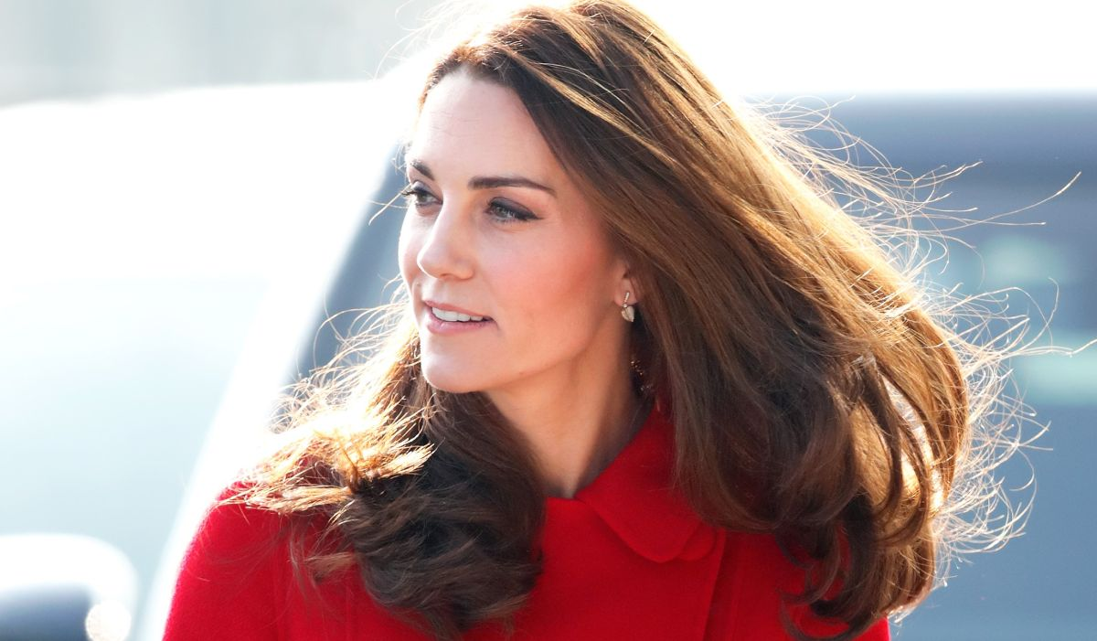 Royal fans go wild for Kate Middleton's straight hairstyle in NHS Instagram video
