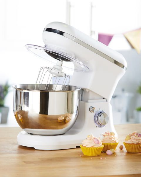 Attention Bake Off Lovers! The Aldi offer this week is a gorgeous stand mixer | Real Homes