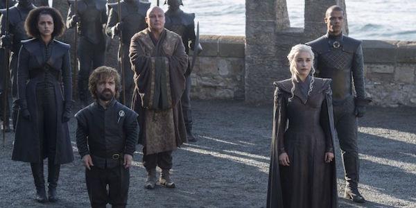 Dany and her advisors in Season 7