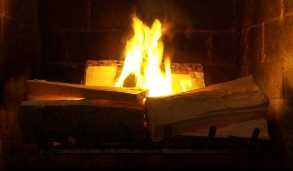 Fireplace Netflix Christmas