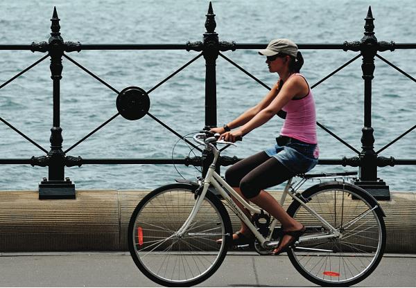 Sydney cyclist / Getty Images