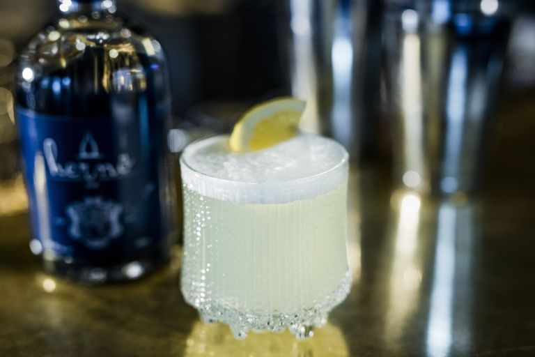 Hernö gin fizz in small glass