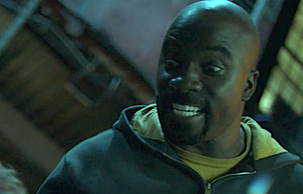 luke cage beating up iron fist the defenders