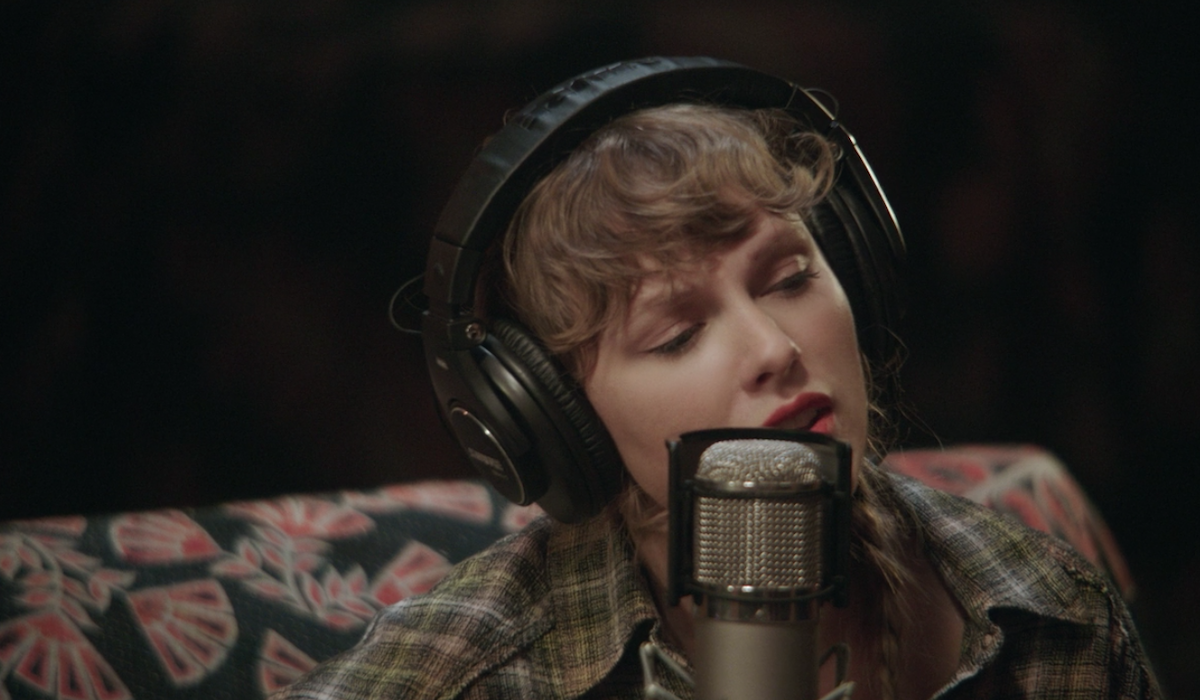 Taylor Swift as long pond studios singing folklore movie
