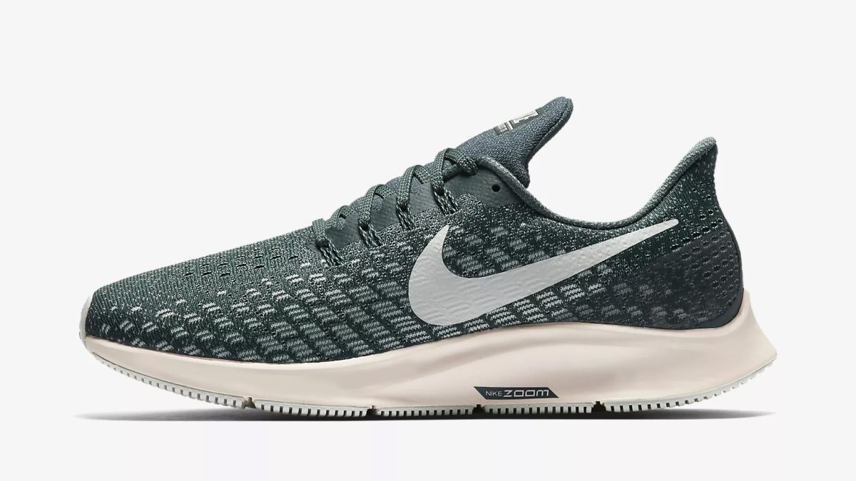 f7cfdb3ca76a9 Best Nike deals: get affordable Nike gear for August 2019   T3