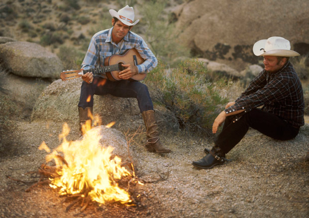 Ten Easy Acoustic Guitar Campfire Sing-Along Songs | Guitarworld
