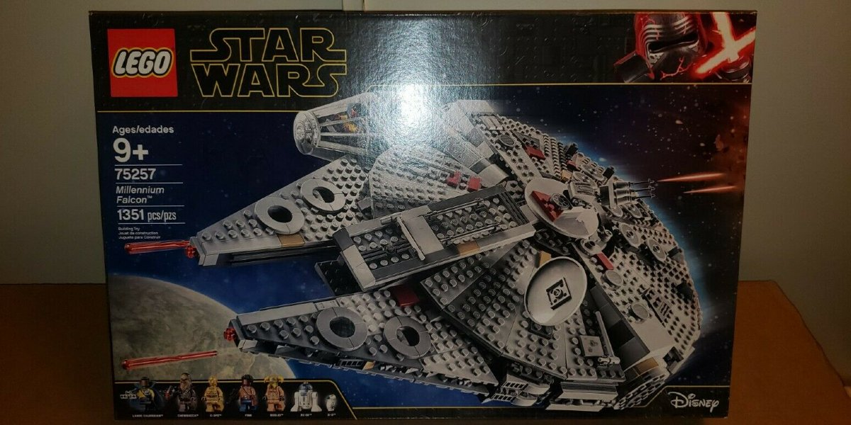 LEGO Millennium Falcon With Minifigs