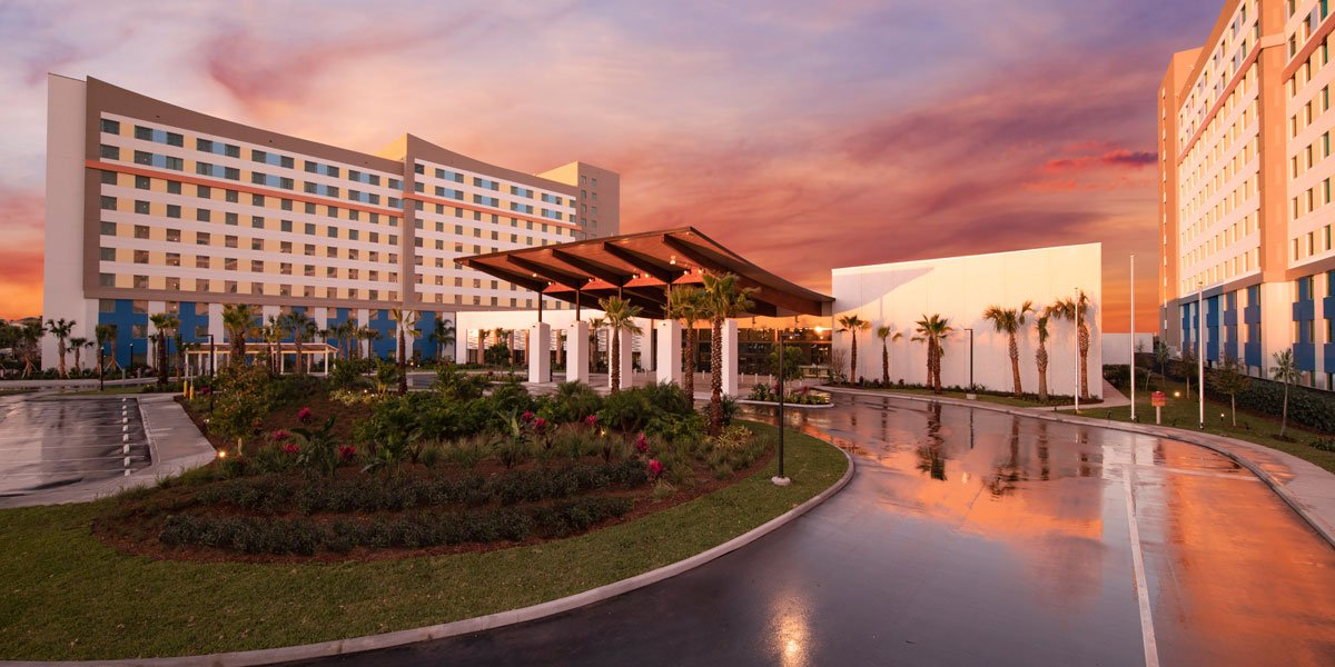 Dockside Universal Inn and Suites at Dusk 2021