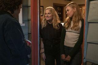Nico Hiraga as Seth, Amy Poehler as Lisa/Director/Producer, Hadley Robinson as Vivian in Moxie.