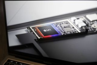 Image of an M1 on a MacBook Pro Screen