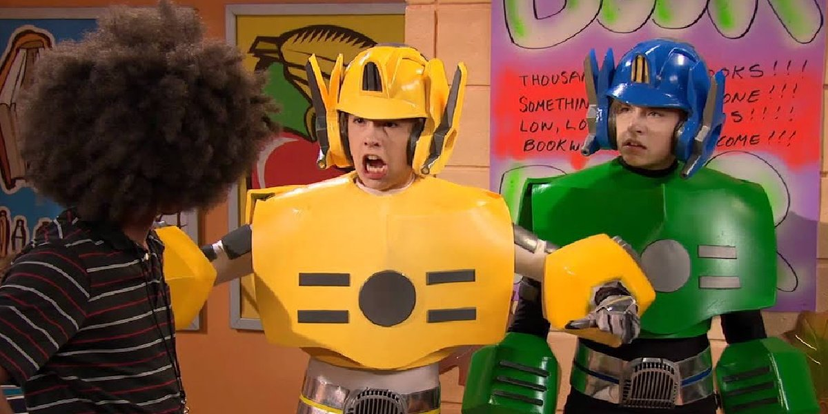 Cole and Dylan Sprouse in their episode of So Random!
