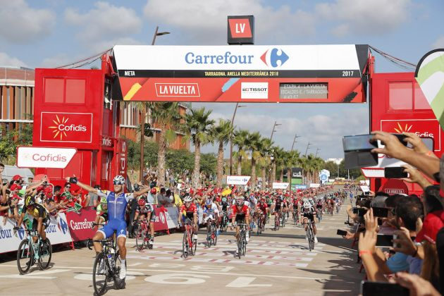 Nibali Soloes to Win in Stage 3 of Vuelta a Espana