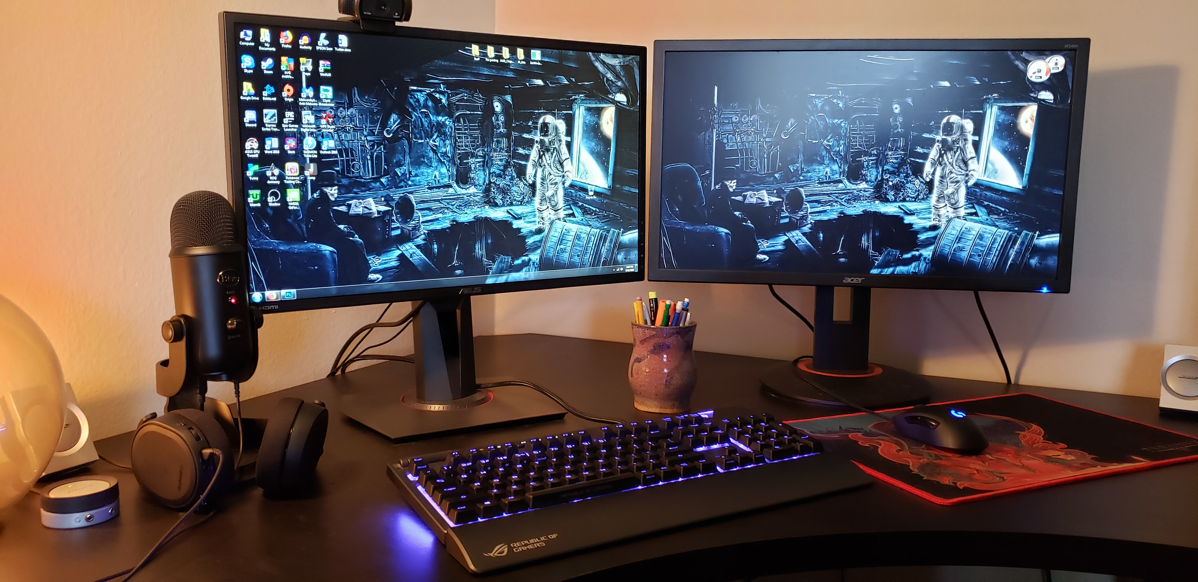 How to set up dual monitors | PC Gamer