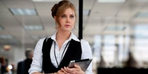 That Time Amy Adams Got A Gnarly Ear Infection On Batman V Superman Due To Cheap Material