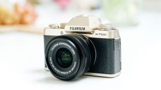 Cheap mirrorless camera