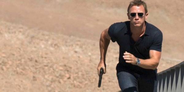Daniel Craig running as James Bond