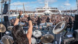 Testament on the Megacruise