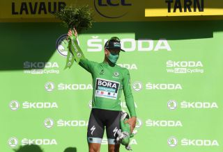 Peter Sagan back in the green jersey despite mechanical during stage 7 sprint at the Tour de France