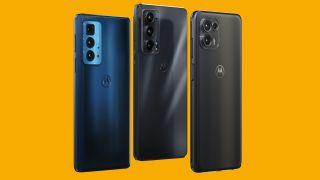Die Motorola Edge 20 Serie vor einem gelben Hintergrund