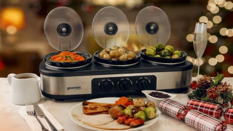 This 3-in-1 slow cooker is genius! And will make Christmas dinner a breeze...