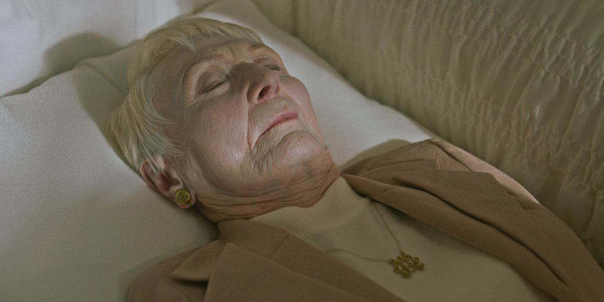 Old star Kathleen Chalfant in Hereditary