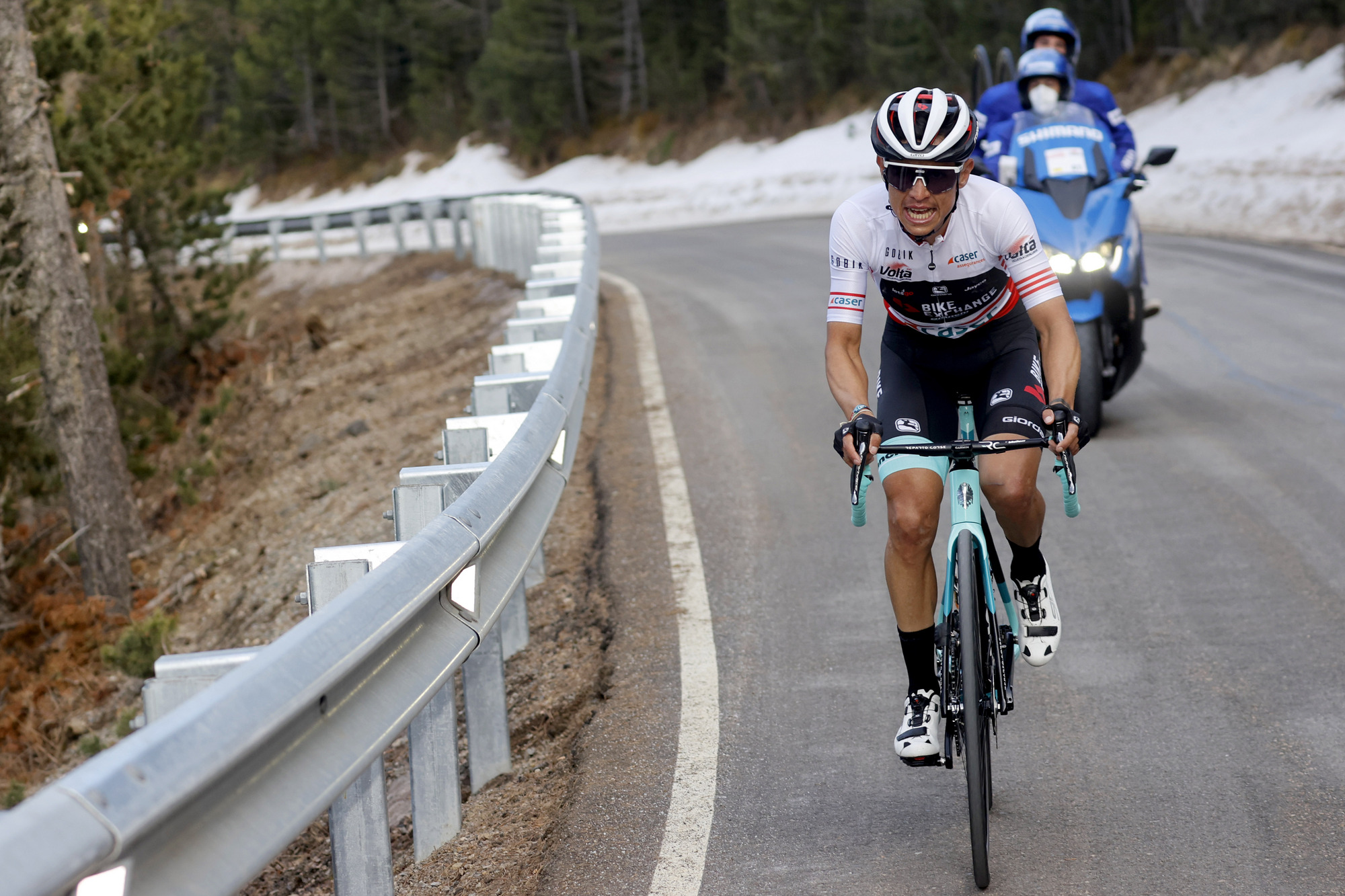 Esteban Chaves goes deep to win the stage
