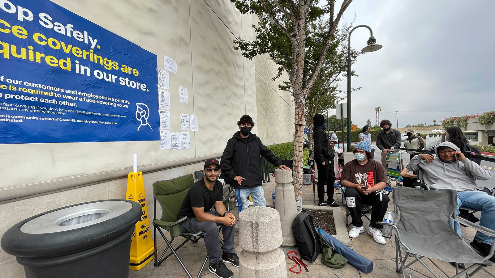 Customers Outside A Best Buy Hoping To Buy An RTX 3080 Ti