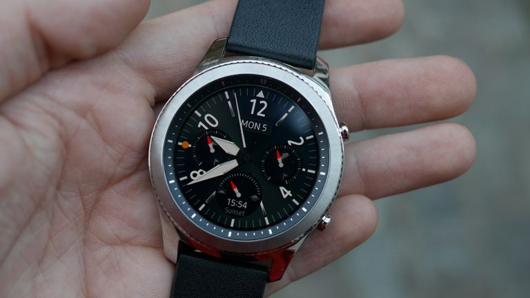 Samsung Gear S4 with blood pressure monitor