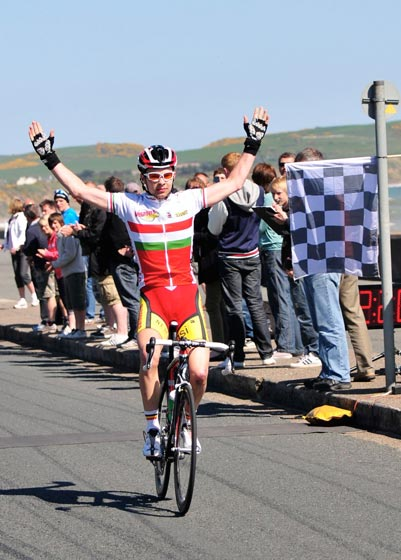 Owain Doull wins stage 3, Isle of Man Youth Tour 2011