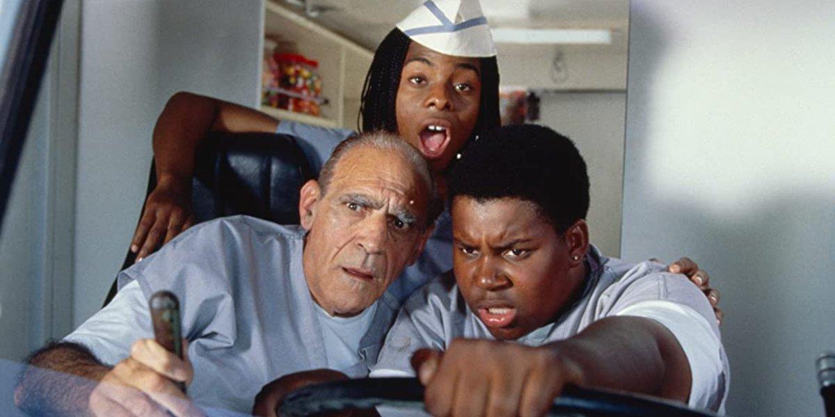 Abe Vigoda, Kel Mitchel, and Kenan Thompson in Good Burger